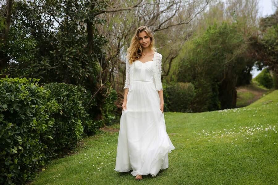 Mariage en hiver : Robe de mariée Eleonore et veste Lola par Marie Laporte