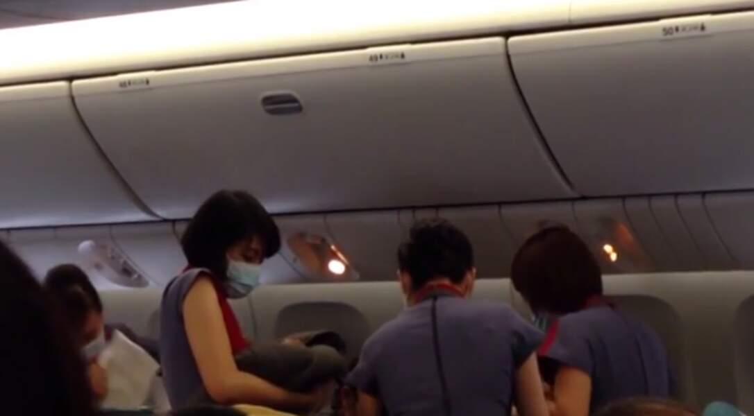 Accouchement en plein vol à 30 000 pieds d'altitude