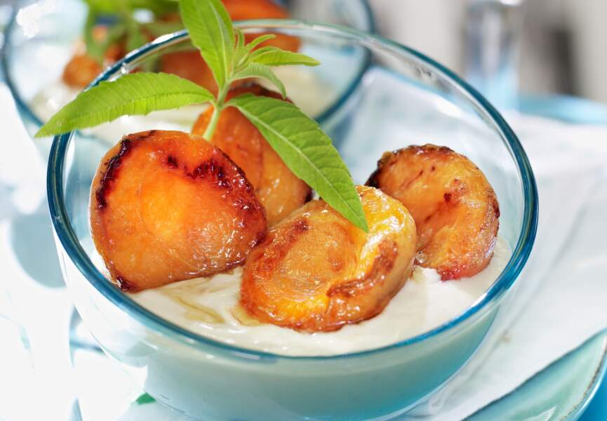 Abricots rôtis, crème à la verveine