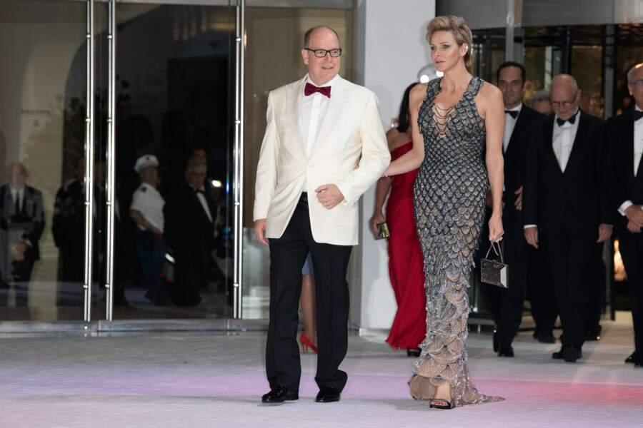 Arrivée du prince Albert II et de Charlène de Monaco au 70ème Gala de la Croix-Rouge