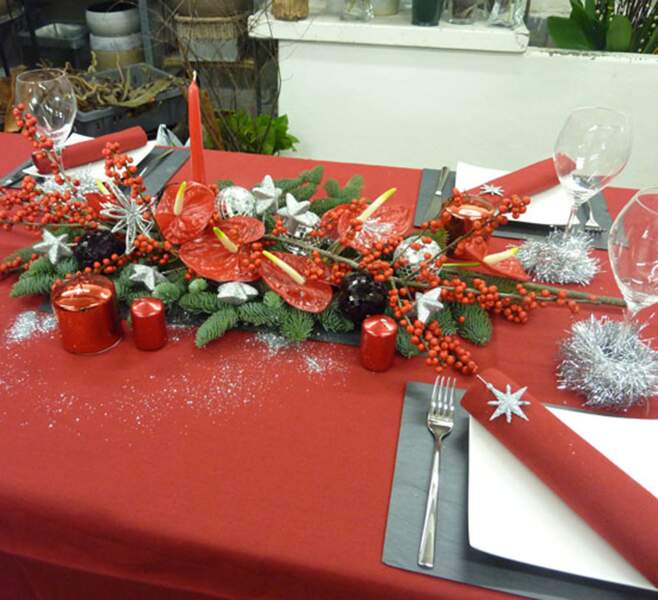 Une table de Noël contemporaine.