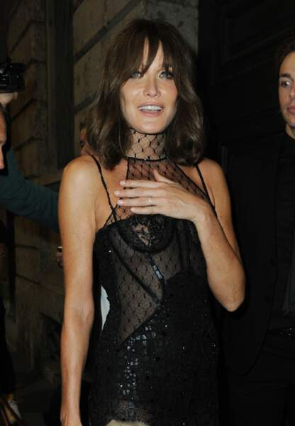En 2017 Carla Bruni participe au défilé Versace