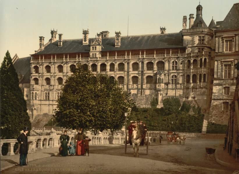 L'aile François 1er du château de Blois, un monument déjà très visité à l'époque