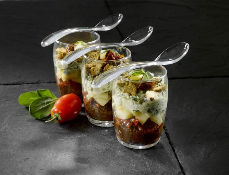 Verrines de tomates confites et olives à l'emmental