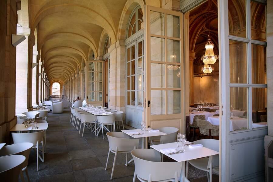 La coursive, Restaurant Le Quatrième Mur