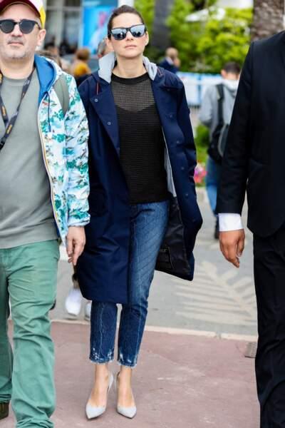 Cannes : Marion Cotillard, 43 ans, relax en jean le jour