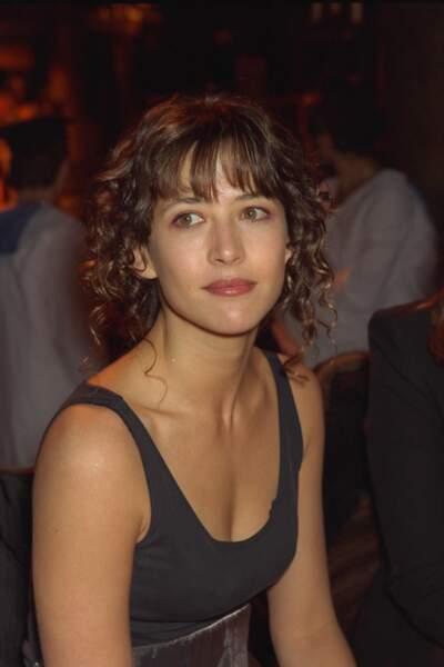 Sophie Marceau au défilé Haute-Couture printemps-été Dior en 1998.
