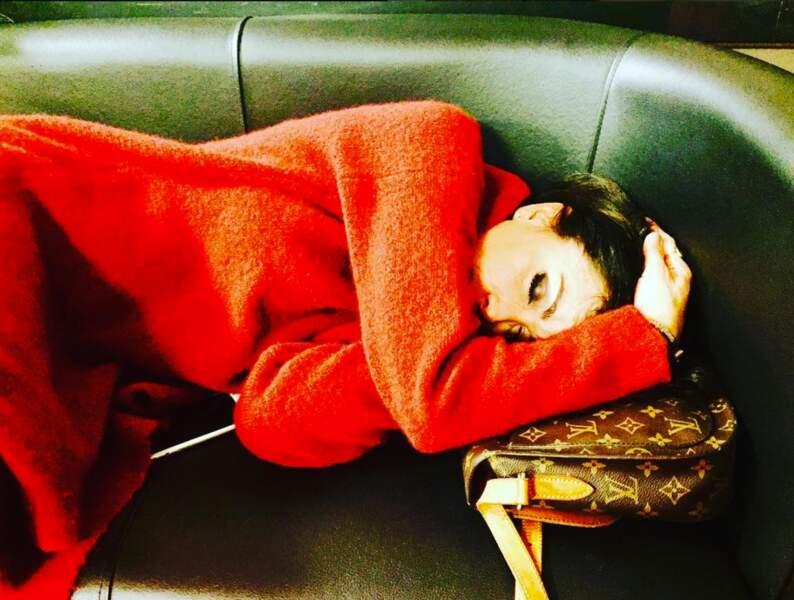Jenifer s'offre aussi une petite sieste