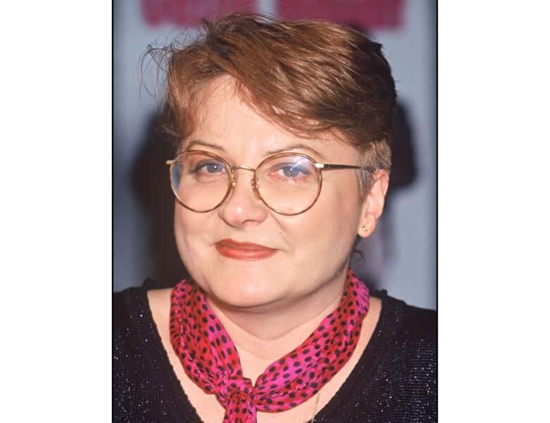 En 1995 (45 ans), Josiane Balasko adopte la coupe de cheveux très courte