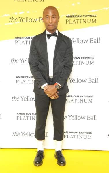 Le chanteur Pharrell Williams mesure 1m75.