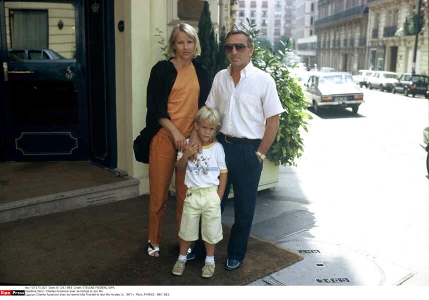 Charles Aznavour avec sa femme Ulla Thorsell et leur fils Nicolas