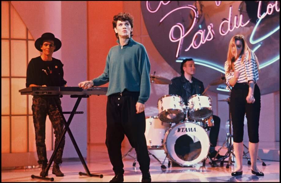 """Marc Lavoine lors de l'émission """"A la folie, pas du tout"""" en 1986."""