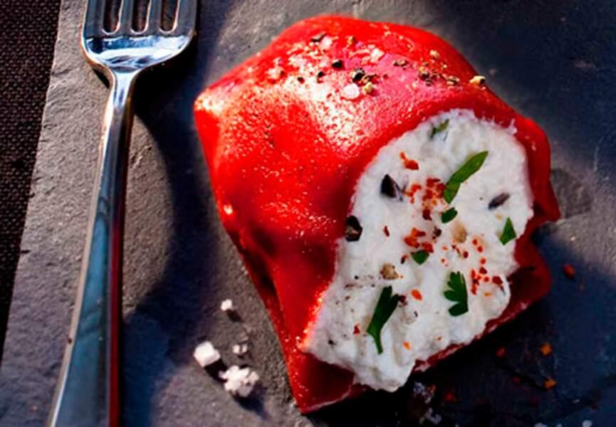 Petits poivrons grillés fourrés à la ricotta basilic