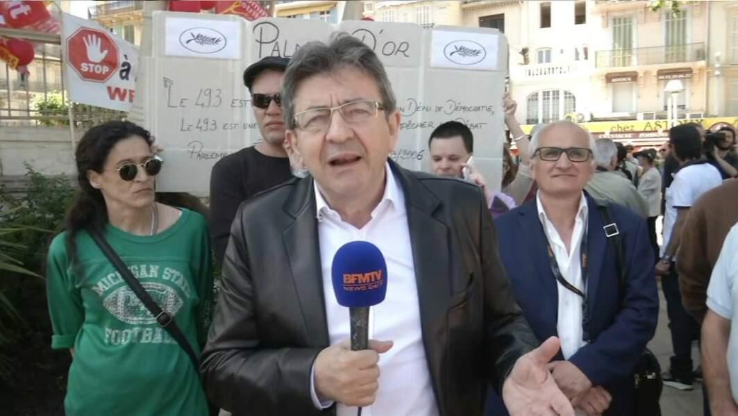Venu défendre le personnel précaire des palaces, Jean-Luc Mélenchon a aussi fait son show