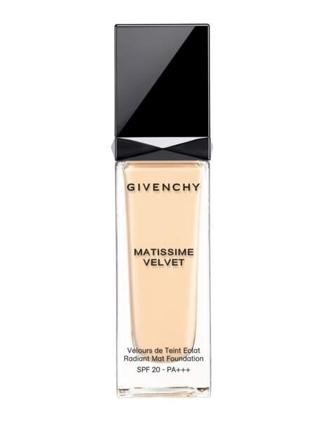 Si j'ai tendance à briller : le fond de teint fluide Givenchy