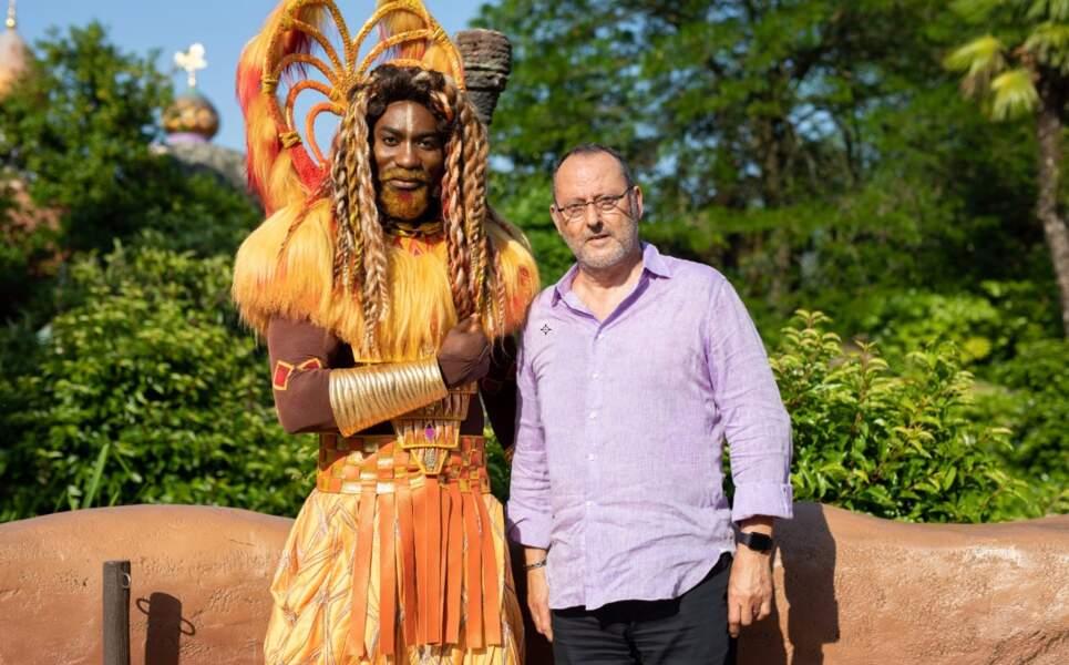 Jean Reno fait honneur à la sortie du nouveau film Le Roi Lion à Disneyland Paris