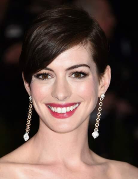 La coupe pixie d'Anne Hathaway