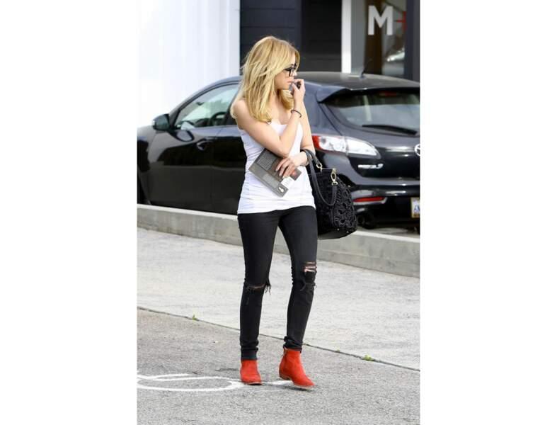 Ashley Benson en chaussures plates