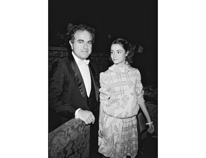 Elle apparait aux côtés de son père Guy Béart en 1982, elle est âgée de 19 ans