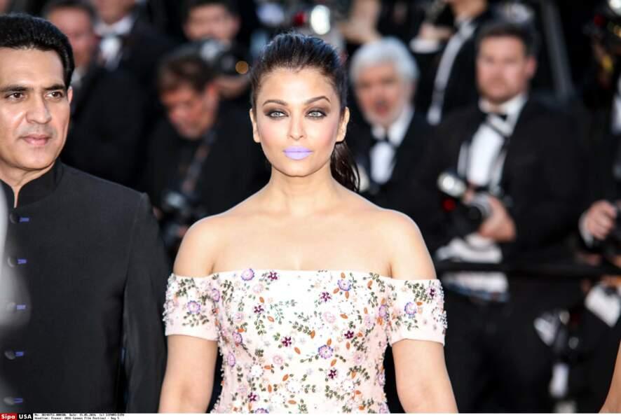 L'actrice Ashwarya Rai va-t-elle lancer une mode avec son rouge à lèvres lilas ?