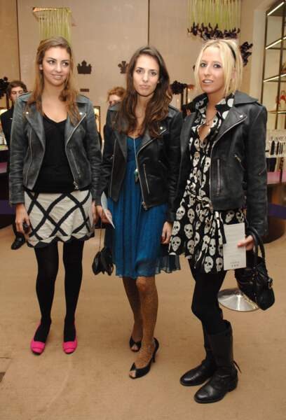 Rose Hanbury, sa soeur Marina Hanbury et Sophia Hesketh lors de la soirée Asprey à Londres le 7 décembre 2006.