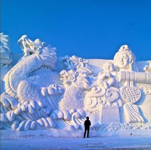 Le festival comprend aussi un parc de sculpture sur neige