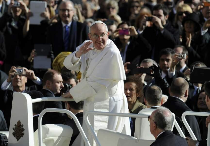 Qui dit pape dit papamobile...