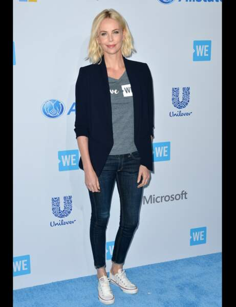 Charlize Theron : jean casual