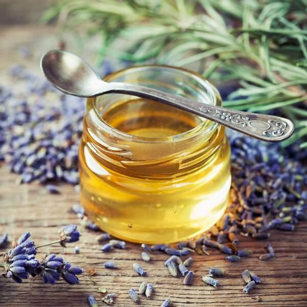 De l'ail et du miel pour anéantir les boutons de fièvre