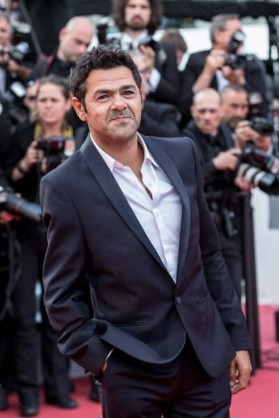 L'humoriste et comédien Jamel Debouzze mesure 1m65.