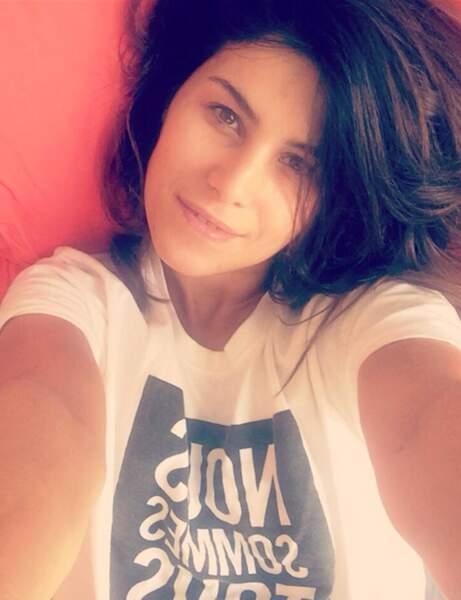 Karine Ferri, canonissime même au saut du lit