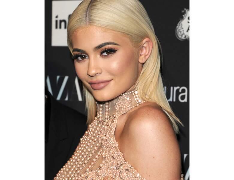 Le blond lisse de Kylie