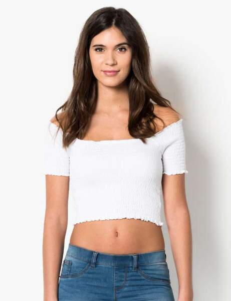 T-shirt blanc : épaules dénudées