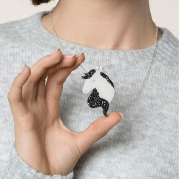 Collier Licorne Noire à paillettes
