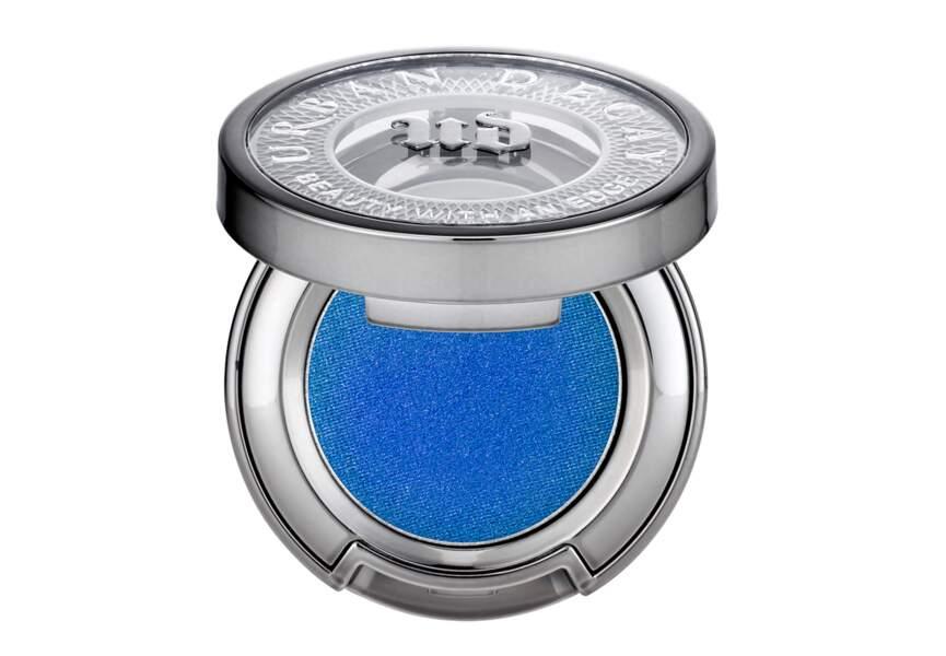 Un fard bleu intense
