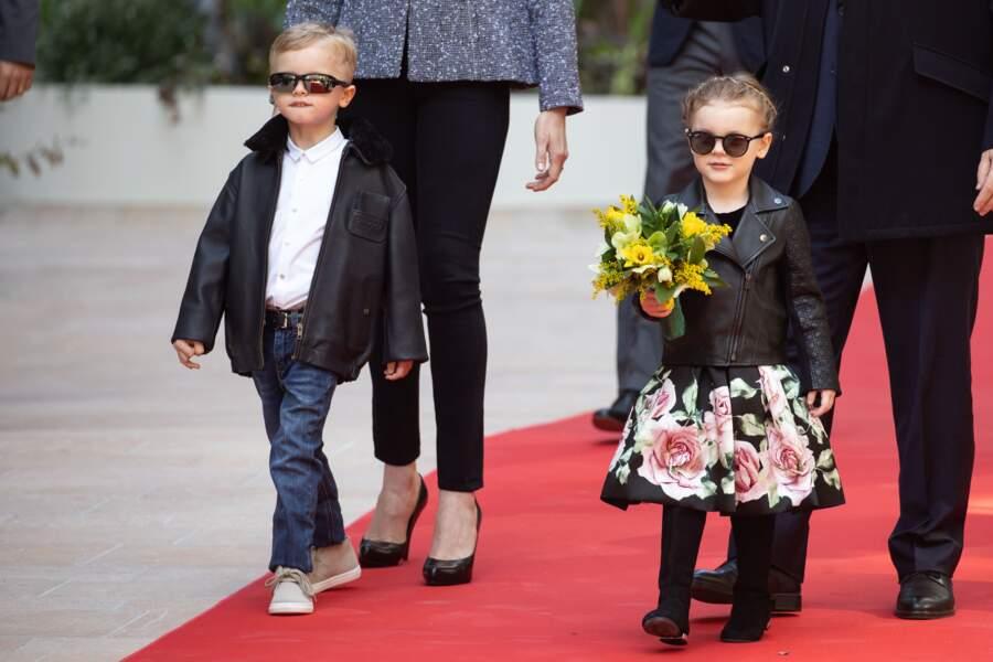... avec le Prince Albert II de Monaco, sa femme Charlène et leurs enfants Gabriella et Jacques.
