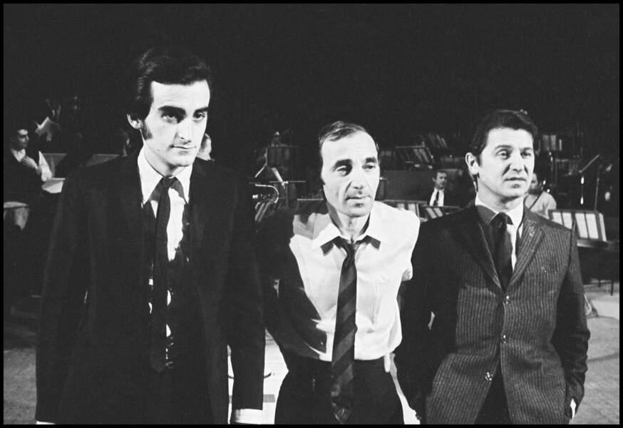Dick Rivers et Charles Aznavour à l'enregistrement d'une émission de télévision dans les années 60.