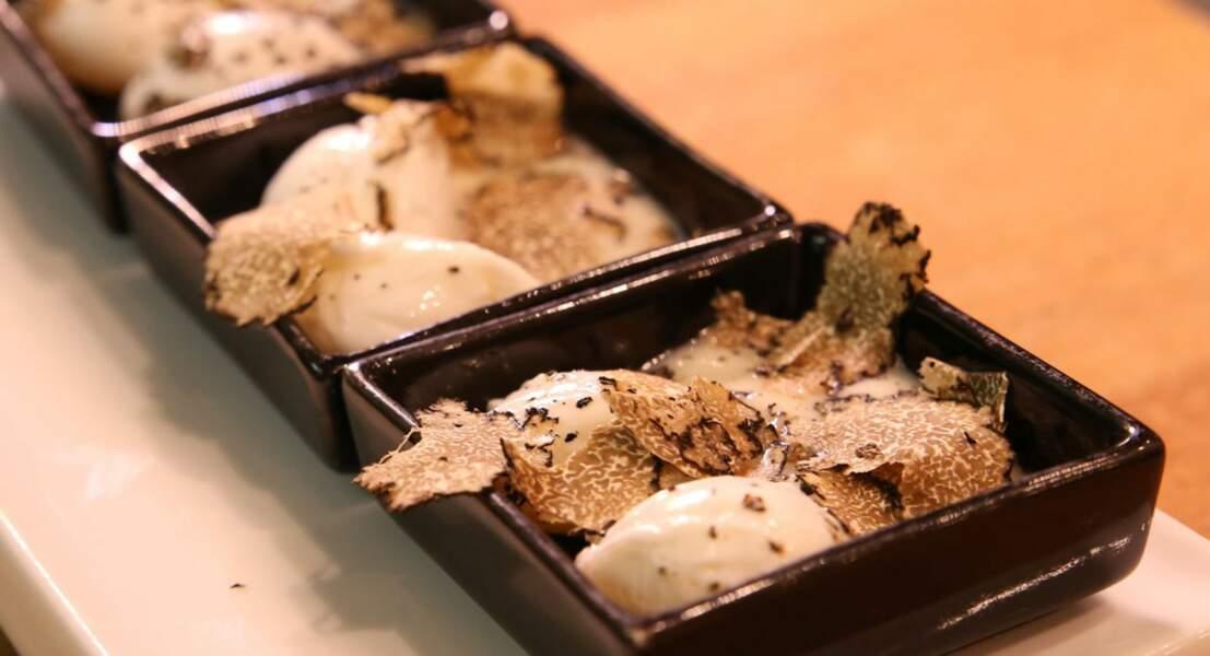 Œuf de caille poché, velouté de topinambours et truffes