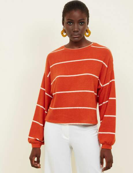 Tendance orange : le pull rayé
