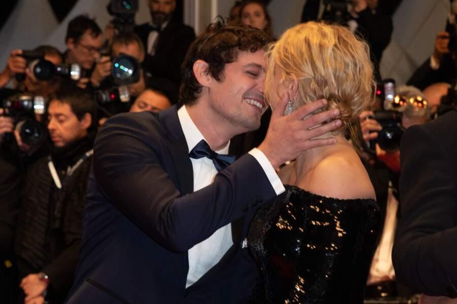 """Virginie Efira et son compagnon Niels Schneider à la première de """"Sibyl"""" à Cannes, le 24 mai 2019."""