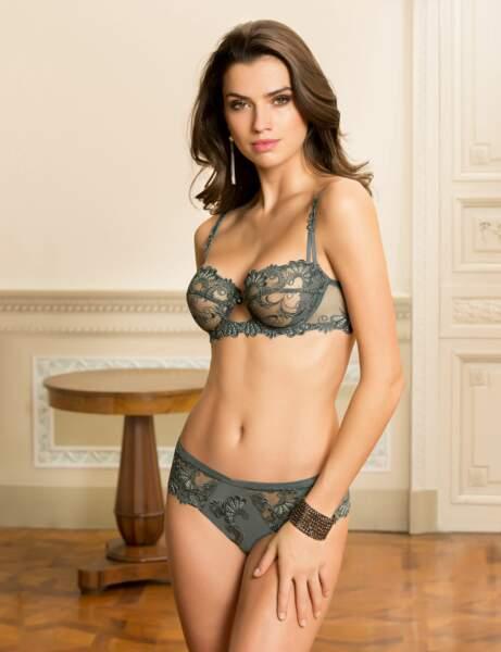 Belle lingerie : transparence