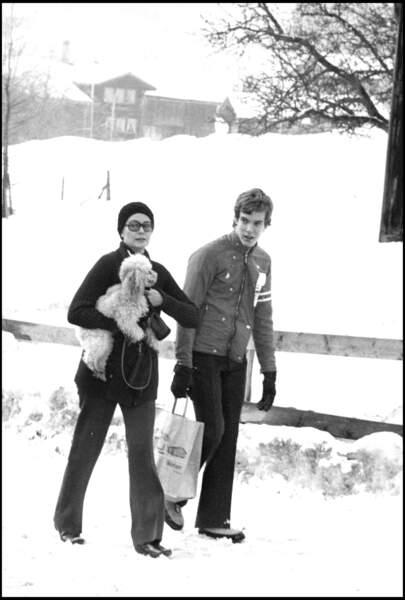 Le prince Albert de Monaco et sa mère la princesse Grace à Gstaad en 1973.