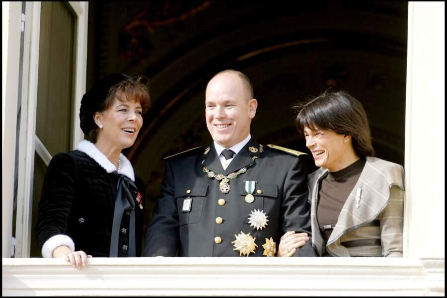 Le prince Albert de Monaco avec ses soeurs Caroline et Stéphanie le jour de la fête nationale en 2006.