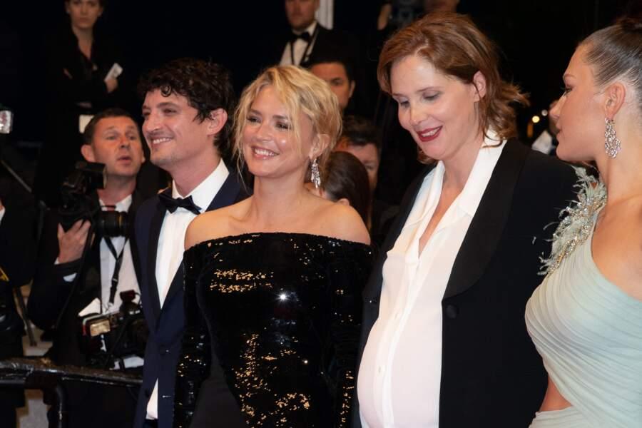Niels Schneider, Virginie Efira, Justine Triet (enceinte), Adèle Exarchopoulos à Cannes, le 24 mai 2019.