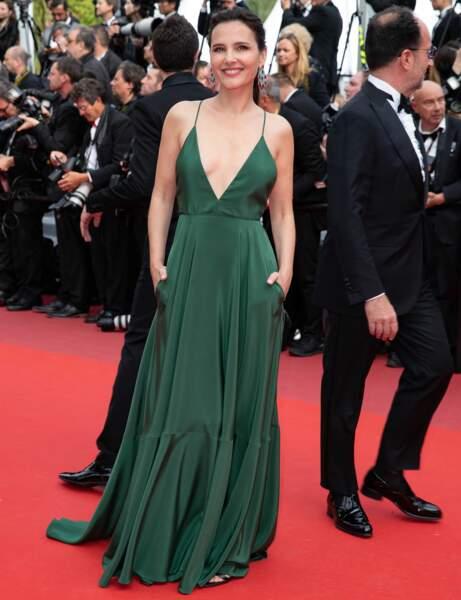 Cannes : Virginie Ledoyen, 42 ans, en robe du soir