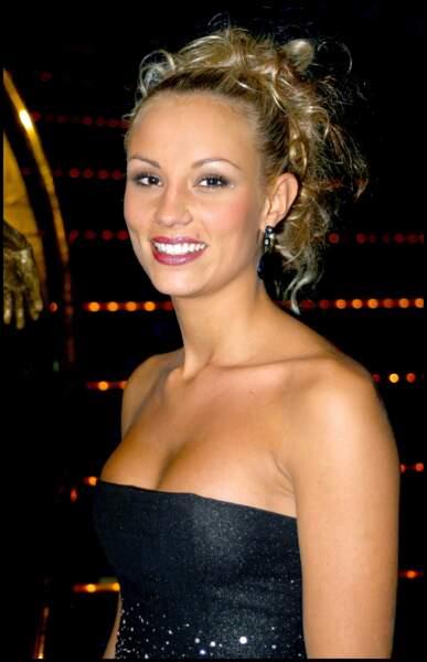 Elodie Gossuin au Lido à Paris le 28 octobre 2003.