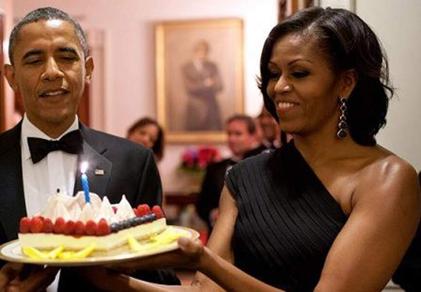 Barack Obama, qui d'autre que Michelle pour lui faire souffler ses bougies d'anniversaire ?