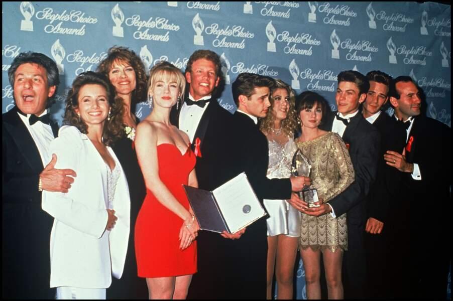 Le cast de la série Beverly Hills lors de People Choice Awards en 1992