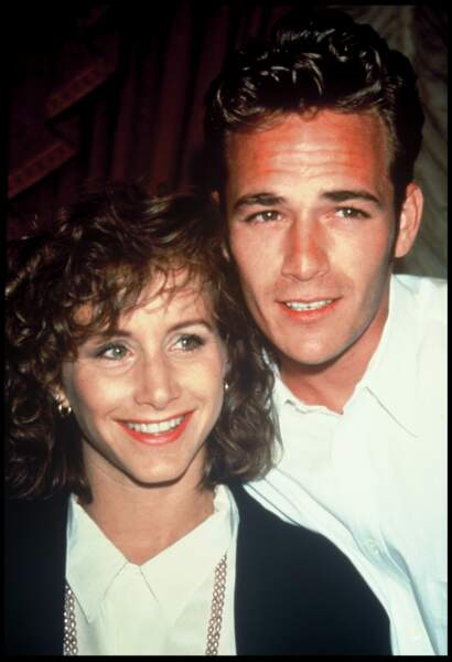 Gabrielle Carteris (Andrea) et Luke Perry (Dylan) de Beverly Hills en 1991