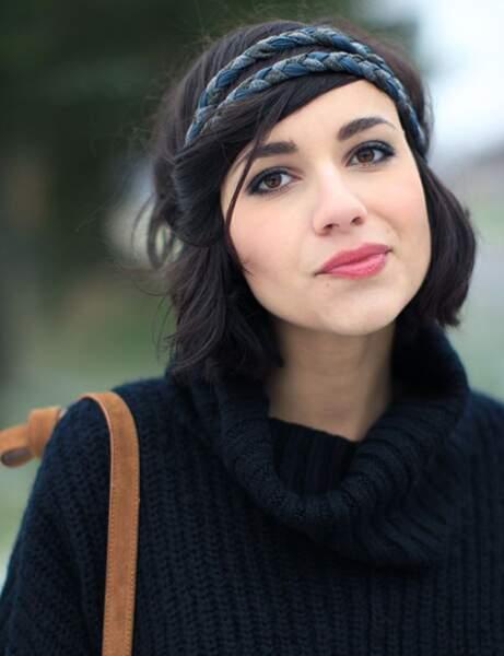 Des torsades autour d'un headband